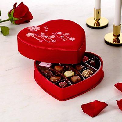Godiva Chocolatier 14 Piece Valentine's Day Fabric Heart, Chocolate Gift Pack 4