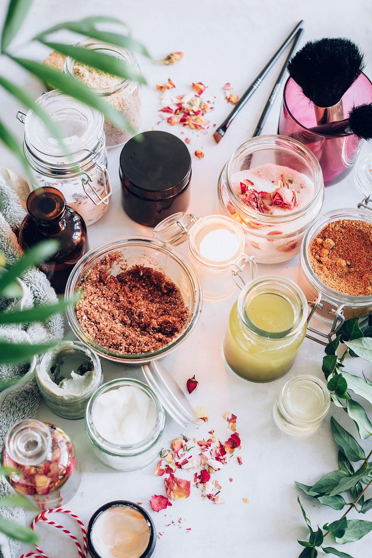 15 DIY Beauty Gifts In A Jar